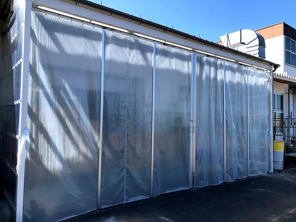 画像:既存建屋下屋部間仕切りカーテン