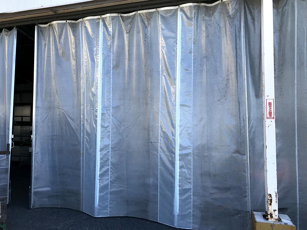 画像:間仕切り芯材カーテンの修理