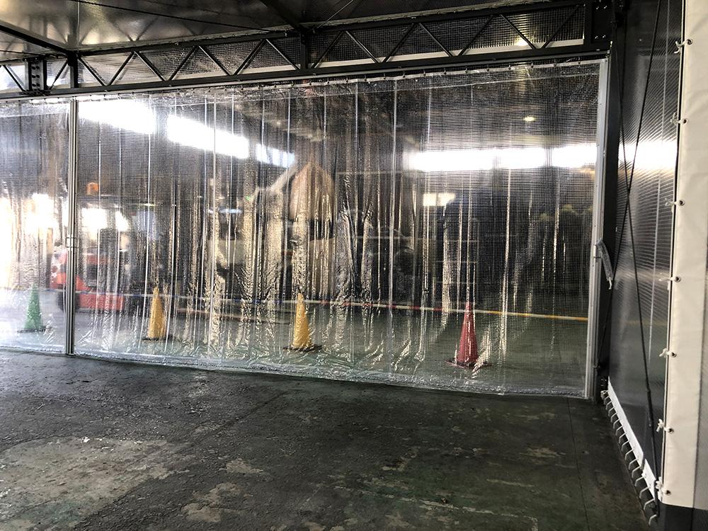 画像:工場内クリアービニールブース新設工事